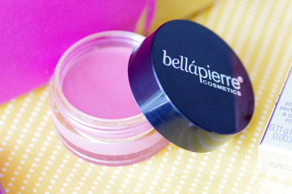 Kombi-Produkt: Lippenpflege und Rouge in einem.