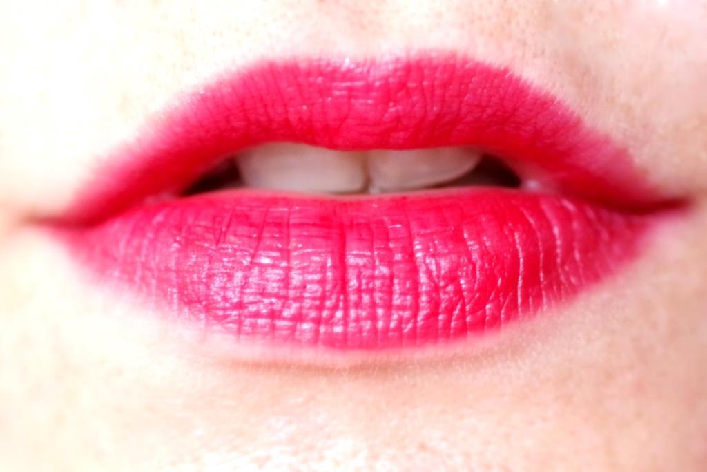 guerlain-la-petite-robe-noir-makeup-collection-kollektion-zum-parfum-011